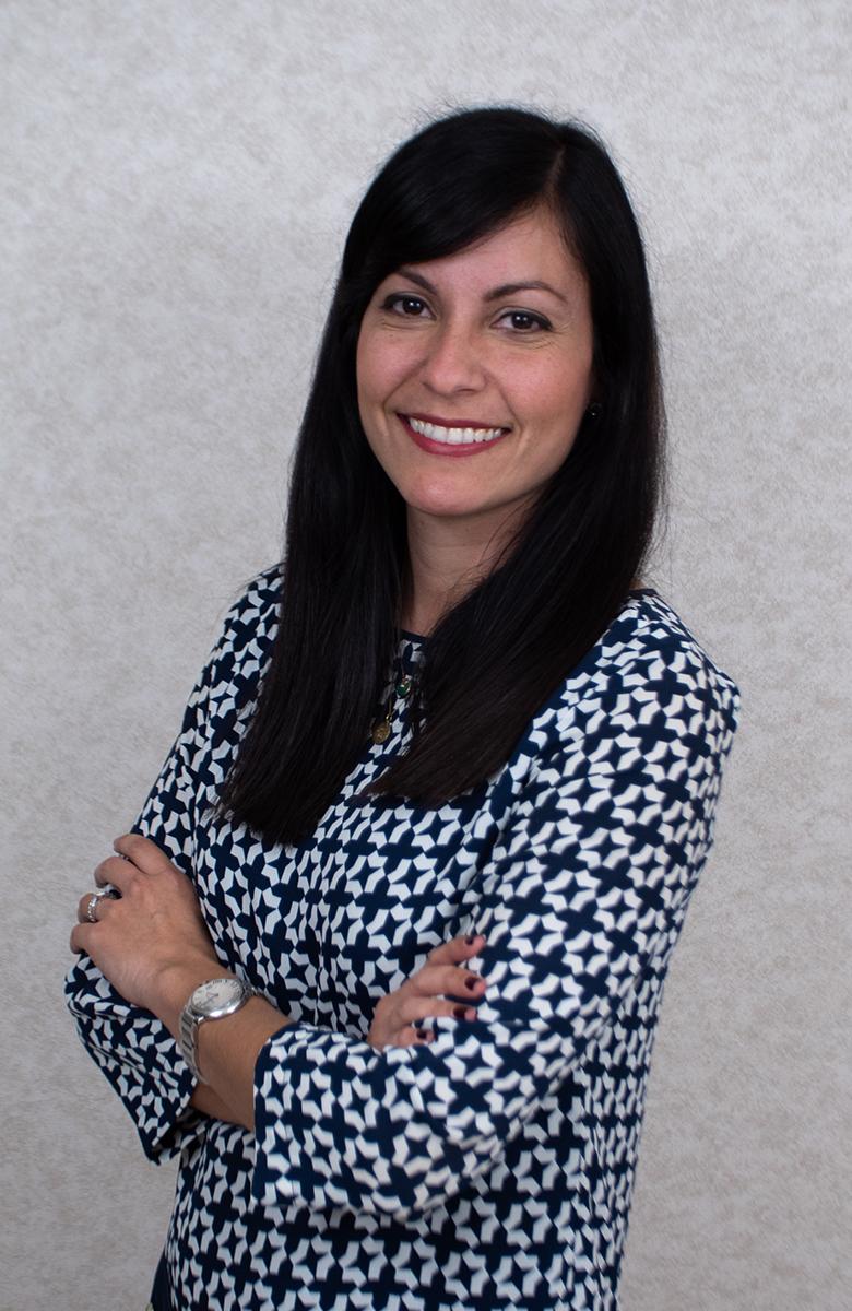 Dra. Caroline Toro